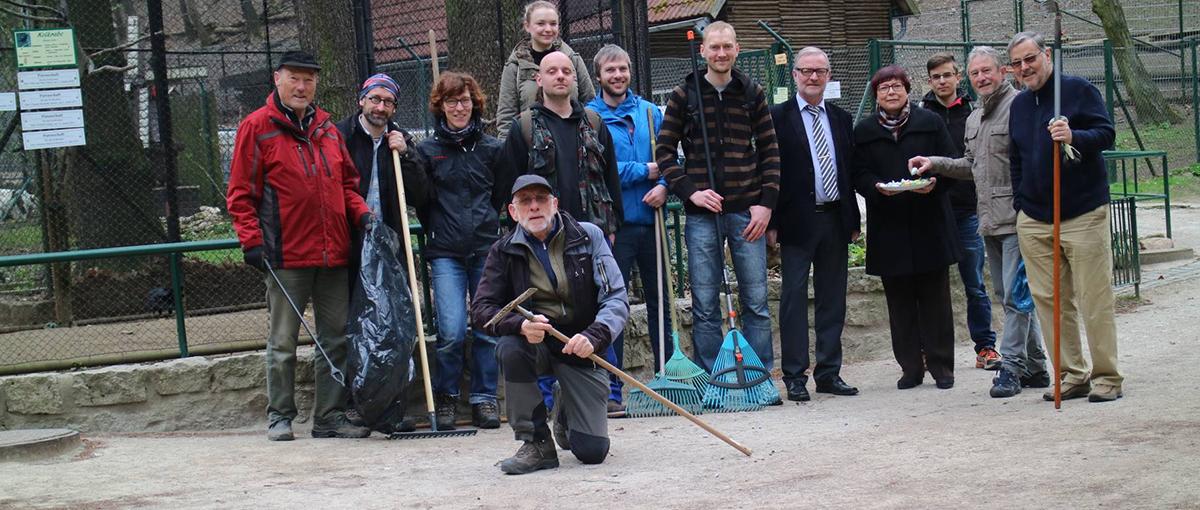 Gruppenbild mit den Wanderern vom Harzklub, den Mountainbikern der IG-Harz sowie Angela Gorr (CDU)