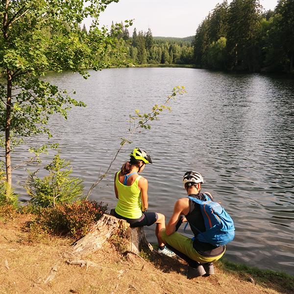 Mountainbiker am Silberteich bei Braunlage