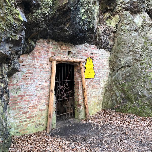 Eingang eines Stollens im Harz