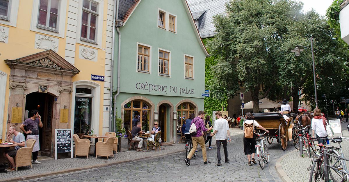 Eine Straßenszene in Weimar
